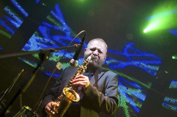 """Jubileusz 25-lecia """"Miłości Blondynki"""" uświetni specjalnym koncertem muzyki filmowej Mikołaj Trzaska. Kompozytor zaprezentuje na żywo utwory z filmów Wojciecha Smarzowskiego. Zainteresowanie wydarzeniem było duże, bilety zostały wyprzedane."""