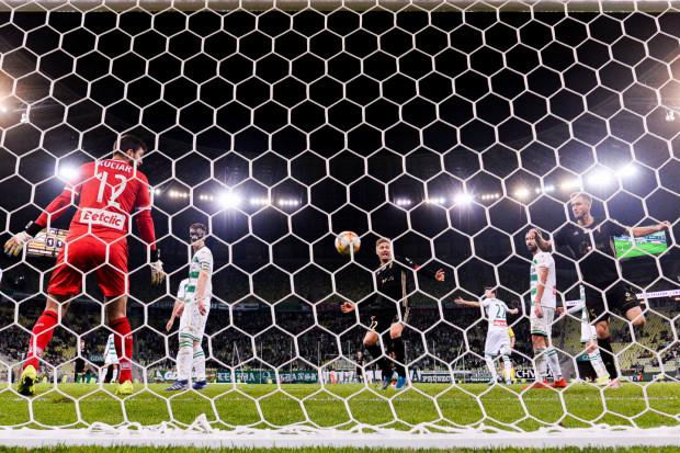 Lechia Gdańsk znów straciła punkty w końcówce meczu. - Przychodzi 75. minuta i dostajemy jakiegoś paraliżu umysłowego - przyznaje trener Piotr Stokowiec.