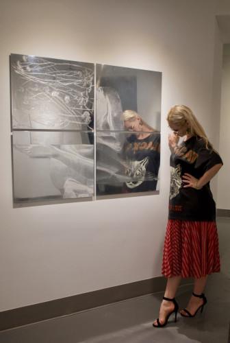 Agnieszka Pestka ze swoimi pracami