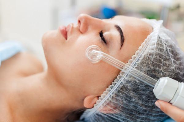 Eksperci zgodnie twierdzą, że można korzystać z dobrodziejstw medycyny estetycznej w taki sposób, by wyglądać naturalnie, zdrowo i pięknie - bez groteskowego efektu.