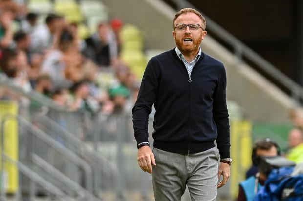 Piotr Stokowiec krytykę po porażce Lechii Gdańska z Cracovią 0:1 bierze na siebie i zapewnia, że problem nie jest z tych, którzy nie da się rozwiązać.