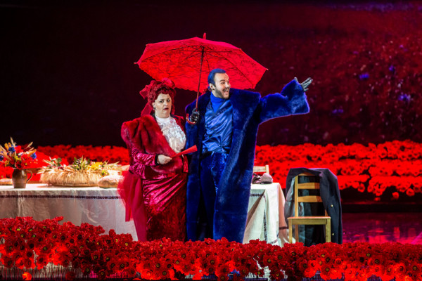 """Wyższe ceny biletów o 10 zł na wybrane propozycje repertuarowe (wznowienia i te najnowsze) znajdziemy także w Operze Bałtyckiej. Wśród produkcji, na które ceny biletów wynoszą obecnie 60-100 zł, znajduje się m.in. """"Hrabina"""" (na zdjęciu)."""