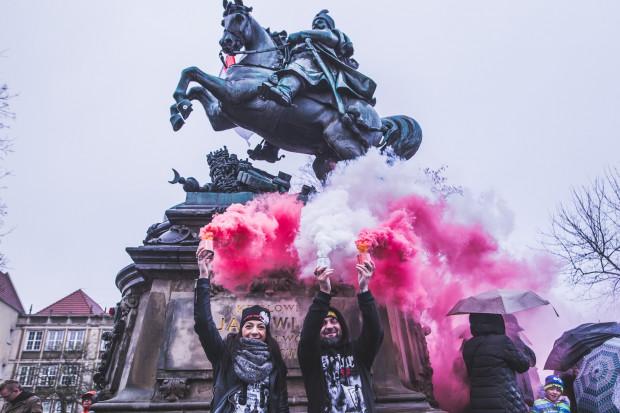 Święto Niepodległości możemy uczcić podczas parady lub w inny sposób. Przedstawiamy najciekawsze propozycje.