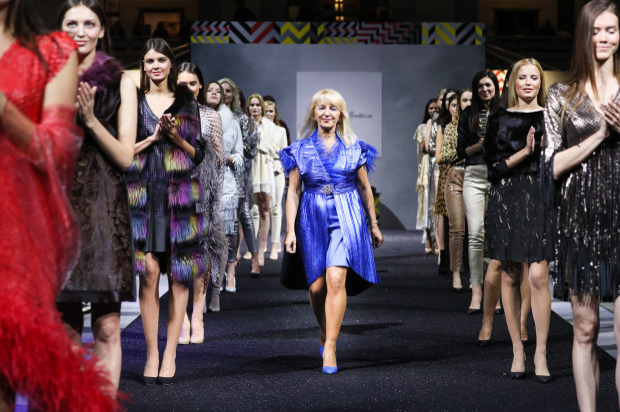 Grażyna Paturalska podczas pokazu Grace Collection na Moscow Fashion Week