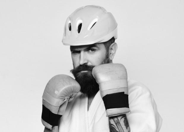 Rowerzysta karate mistrz