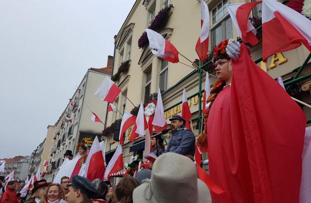 Paradę Niepodległości tradycyjnie rozpoczęło przemówienie marszałka Józefa Piłsudskiego.