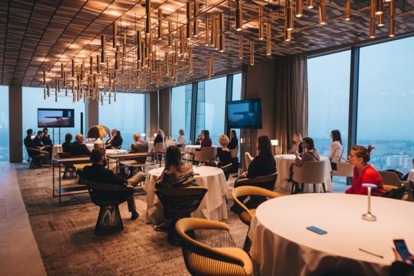 Arco by Paco Perez to restauracja utytułowanego szefa kuchni z Hiszpanii, która mieści się na 33. piętrze biurowca Olivia Star w Gdańsku.