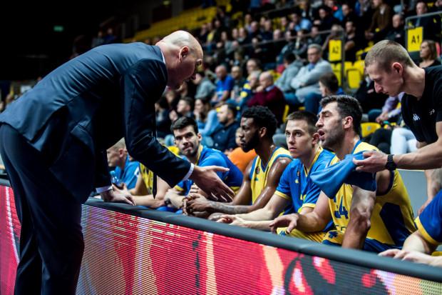 Koszykarze Asseco Arki Gdynia oddali tylko 19 rzutów z gry w meczu z Buducnost Voli Podgorica, z czego 13 znalazło drogę do kosza. Więcej prób padło zza łuku, bo z 24 prób wykorzystali 6.