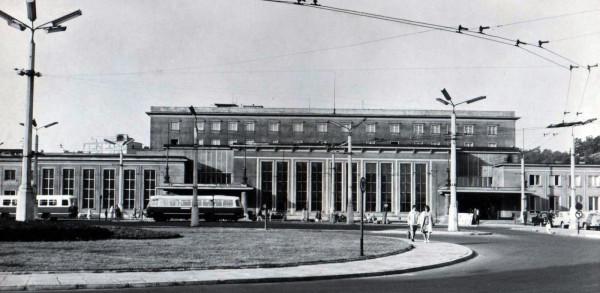 Gdyński dworzec w 1970 roku.