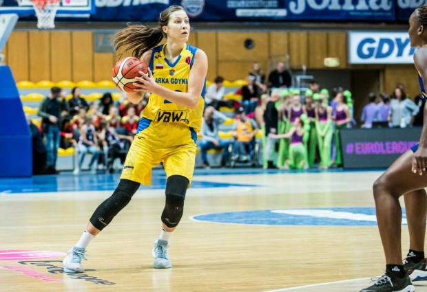 Amalia Rembiszewska spędza średnio 15 minut na boisku w tym sezonie EBLK. Koszykarka Arki zdobywa średnio niespełna 3,7 punktu na mecz.
