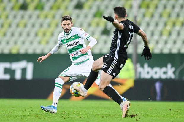 Filip Mladenović nie rozumie, dlaczego został ukarany podczas meczu Lechia Gdańsk - ŁKS Łódź, ani także tego, dlaczego w ekstraklasie niektórzy sędziowie upodobali sobie, aby jemu pokazywać kartki.