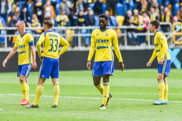 Piłkarze Arki Gdynia coraz mniej strzelają i znów znaleźli się w strefie spadkowej ekstraklasy.