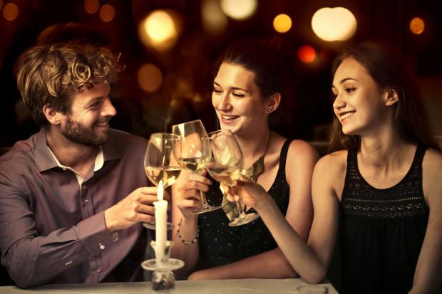 Bale i kolacje andrzejkowe często przypominają imprezy sylwestrowe.