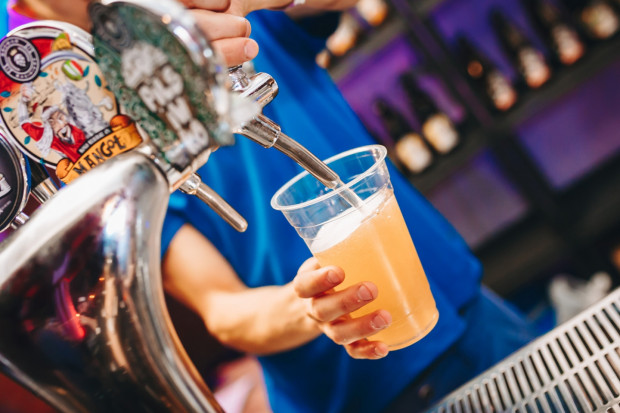 Akcja Piwo dla Zwierzaka potrwa w kilku trójmiejskich pubach i kawiarniach w najbliższy weekend. Za każde zamówione piwo właściciele przekażą 1 zł na rzecz zwierząt hodowlanych.