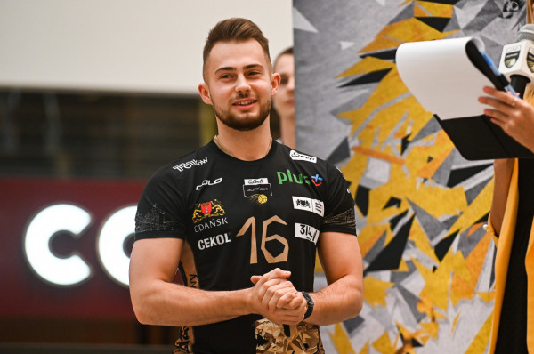 Fabian Majcherski (na zdjęciu) był etatowym libero, gdy od 2. do 6. kolejki pauzował Maciej Olenderek. Obecnie Michał Winiarski ma do dyspozycji obu siatkarzy.