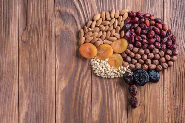 Dietetyczka radzi, co jeść, aby dobrze odżywiać mózg.