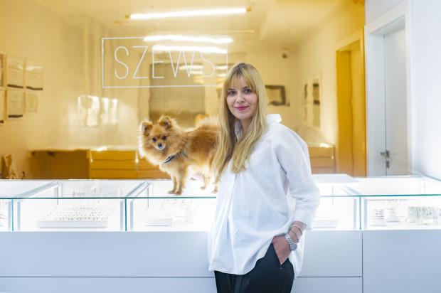 Agnieszka Szews projektuje biżuterię ponadczasową, a jej oczkiem w głowie są diamenty.
