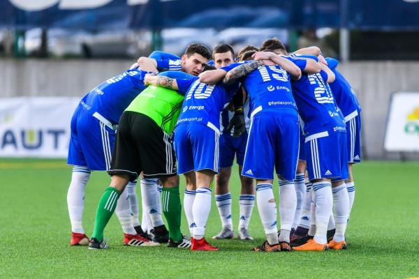 Piłkarze Bałtyku Gdynia przegrali 2:3 (0:1) w środowym sparingu z rezerwami Arki Gdynia. W szeregach biało-niebieskich wciąż trwa testowanie piłkarzy.