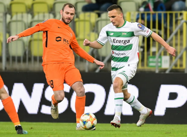 Filip Starzyński (z lewej) i Sławomir Peszko razem grali w reprezentacji Polski na Euro 2016. Czy w przyszłym roku będą kolegami klubowymi?