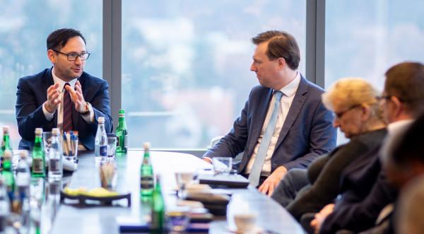 Prezes PKN Orlen spotkał się z zarządem i związkowcami Grupy Energa. Na zdjęciu z Grzegorzem Ksepko p.o. prezesa zarządu Energa SA.