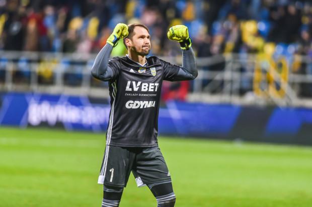 Maciej Jankowski strzelił zwycięskiego gola dla Arki Gdynia w meczu z Koroną Kielce, ale wielki udział w tym sukcesie miał Pavels Steinbors (na zdjęciu).