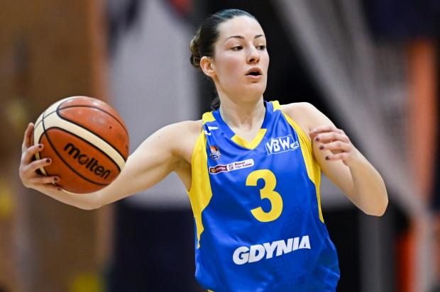 Angelika Slamova zdobyła w niedzielę 14 pkt. Cztery razy trafiła zza łuku.