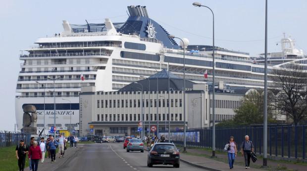 Dworzec Morski gości obecnie statki wycieczkowe. Kiedyś w rejsy do Ameryki wypływały stąd transatlantyki.