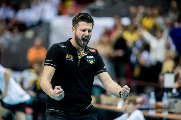 Michał Winiarski pracuje pierwszy sezon jako samodzielny szkoleniowiec. W październiku miał drugą średnią ocen, a w listopadzie wybraliście go Ligowcem Miesiąca w Trójmieście.