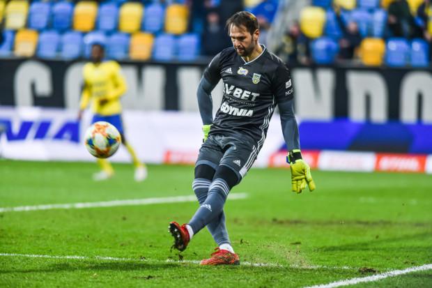 Pavels Steinbors ma kontrakt ważny tylko do 30 czerwca 2020. Oznacza to, że już 1 stycznia może związać się umową na nowy sezon z innym klubem bez pytania Arki Gdynia o zgodę.