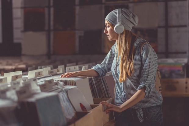 Czasem warto wyjść poza strefę komfortu i posłuchać czegoś zupełnie nowego i różnego od naszych muzycznych upodobań.