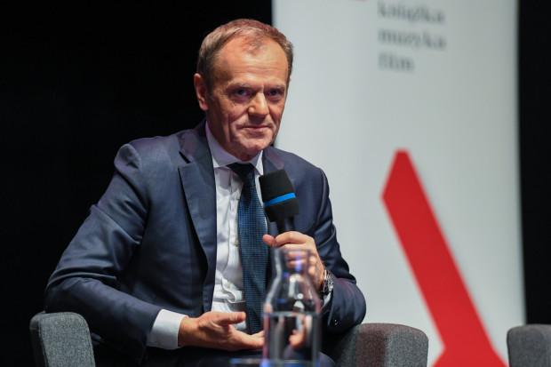 Donald Tusk odwiedził w środę Europejskie Centrum Solidarności w związku z premierą swojej książki.