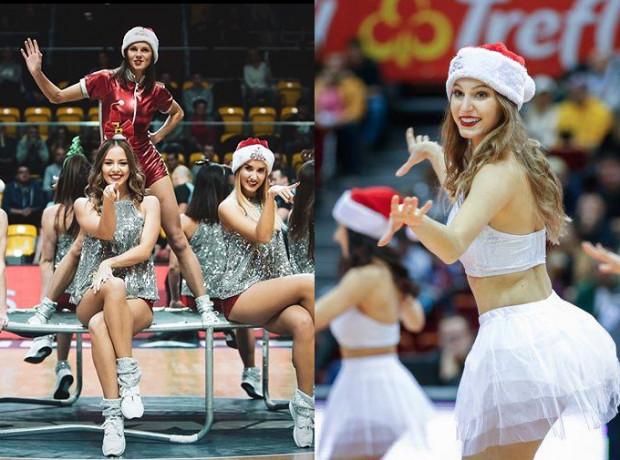To już tradycja, że w trakcie domowych meczów w grudniu, Cheeleaders Gdynia (z lewej) i Cheeleaders Flex Sopot (z prawej) prezentują świąteczne układy taneczne.