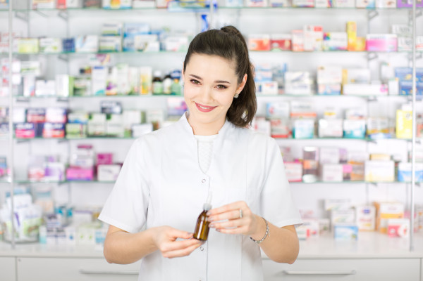 Z roku na rok w aptekach i hurtowniach leków wzrasta zapotrzebowanie na tych profesjonalistów.