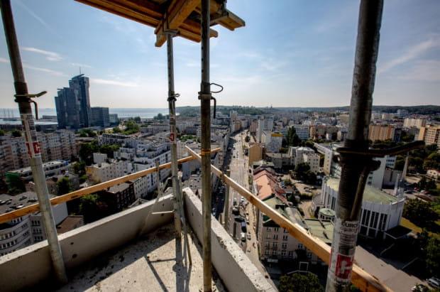 W 2019 roku deweloperzy otrzymali pozwolenia na budowę ok. 10 tys. nowych mieszkań, to więcej niż w 2018 roku.