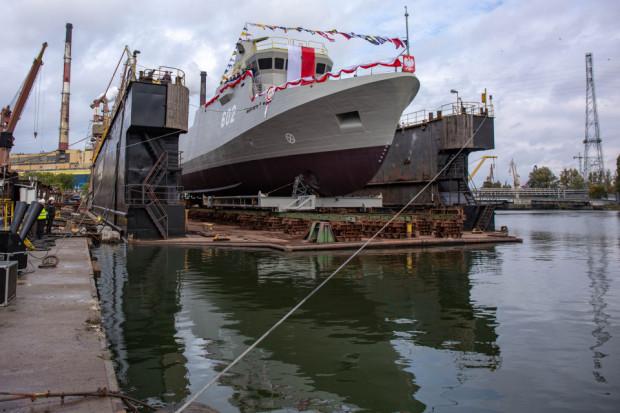 Niszczyciel min Albatros został zwodowany i ochrzczony 10 października 2019 roku. Tego samego dnia położono także stępkę pod trzeci z serii, czyli Mewę.