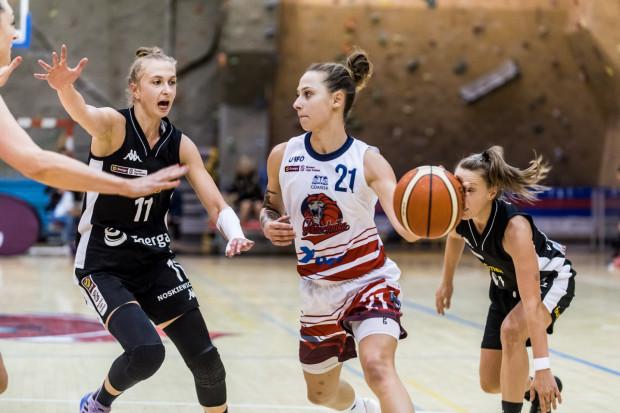 Sylwia Bujniak (w środku) liczy w przyszłości na grę w reprezentacji Polski.
