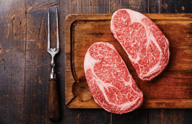 Wołowina wagyu podana w odpowiedni sposób jest daniem samym w sobie.
