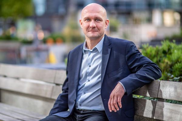 - Sukces jest wtedy pełny, kiedy każdy człowiek w zespole czuje, że jego wkład został dostrzeżony i doceniony - mówi Przemysław Wajda, dyrektor MBA w Gdańskiej Fundacji Kształcenia Menedżerów.