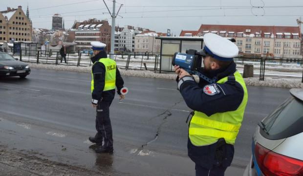 Aż 23 kierowców straciło prawo jazdy w ciągu czterech dni z powodu przekroczenia dopuszczalnej prędkości w Gdańsku o ponad 50 km na godzinę.