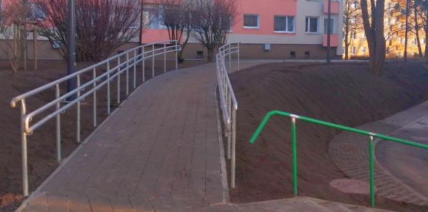 Nowa ścieżka powstała po interwencjach mieszkańców. Jej budowa trwała kilka tygodni.