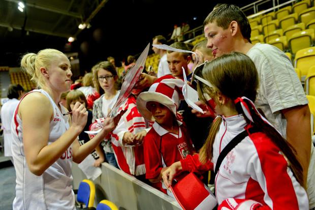 Paulina Misiek w przeszłości grała w reprezentacji Polski. Kadr z meczu z Portugalią w Gdynia Arenie z 2013 roku.