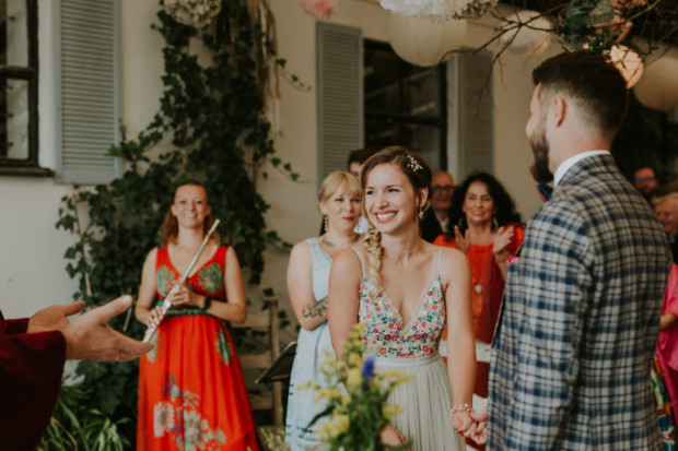 Ślub za granicą staje się coraz bardziej dostępny, a kompleksową organizacją zajmują się wyspecjalizowane firmy.