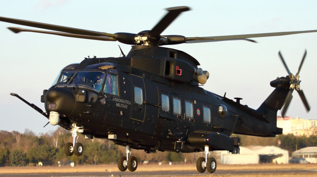 HH-101A Caesar włoskiej Aeronautiki Militare na lotnisku Warszawa-Babice.