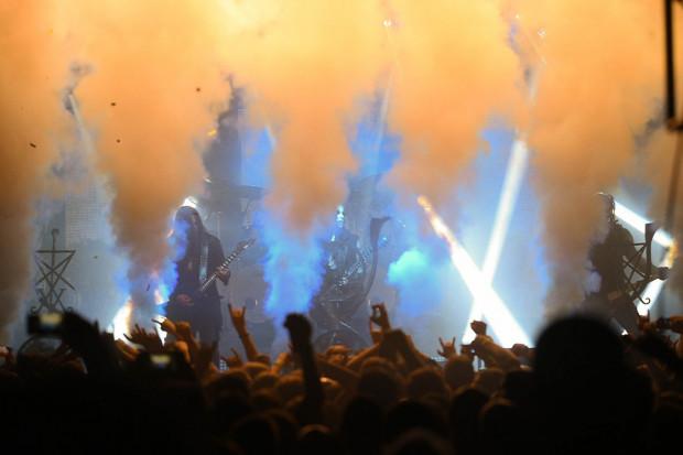 Problemy gdańskiego klubu zaczęły się po koncercie zespołu Behemoth. Podobne kłopoty mają też inne polskie kluby, w których występował gdański zespół.