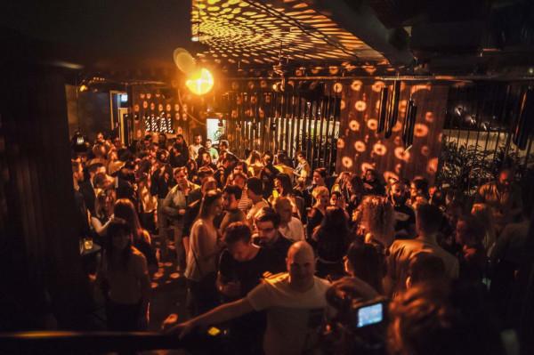 W dwupiętrowym klubie TAN w Sopocie można zorganizować przyjęcie z rozmachem. Mogą tu jednocześnie odbywać się dwie niezależne imprezy.