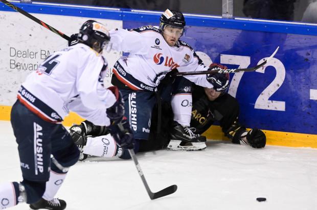 Hokeiści Lotosu PKH Gdańsk po raz trzeci w tym sezonie ograli Comarch Cracovię. Trzeci raz do zwycięzcy nie wyłonił regulaminowy czas gry.