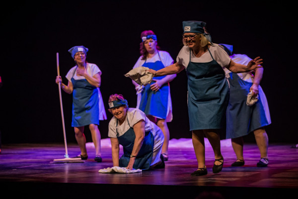Projekt Teatralny Pasjans ma wymiar integracyjny i aktywujący różne grupy społeczne. Co roku jesienią w GTS odbywają się otwarte pokazy finałowe przy kompletach widzów.