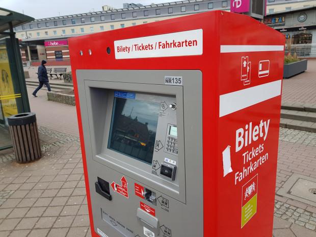 Jednym z wielu niedziałających automatów jest biletomat przy Dworcu Głównym.
