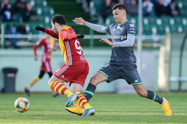 Patryk Lipski w sparingu z Chojniczanką zagrał na innej pozycji niż za zwyczaj. Pomocnik nadal nie wiem, czy w Lechii zostanie do końca sezonu.