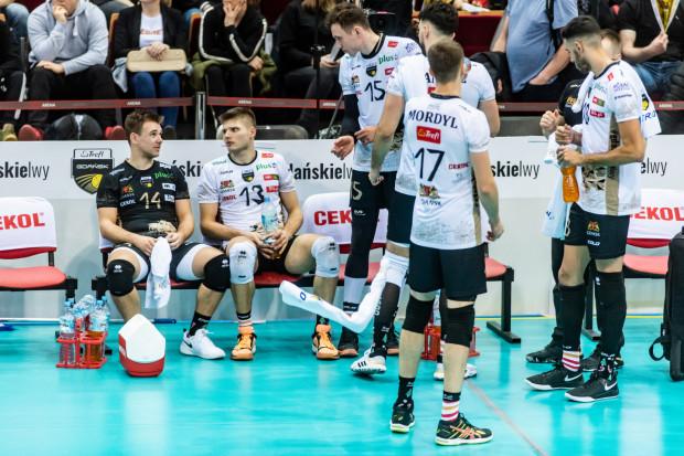 Trefl Gdańsk prowadził w Radomiu 2:1, ale poprzestał na dołożeniu do tabeli PlusLigi tylko punktu, bo przegrał po tie-breaku.